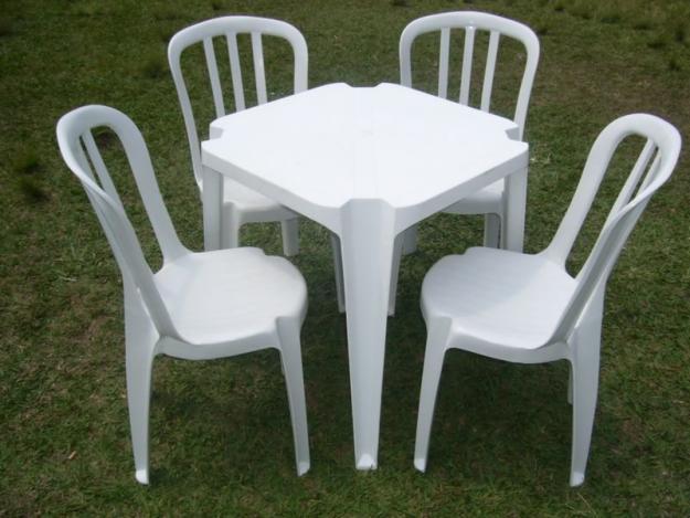 Mesas e Cadeiras - Brinquedos Rabisco